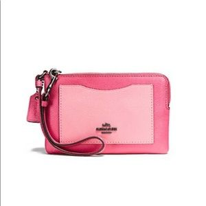 FINAL MARKDOWN COACH Magenta Pink Leather Wristlet